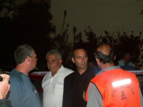 ראש עיריית רמת השרון, איציק רוכברגר, יחד עם סגן ראש העיר, מר מאיר דורון
